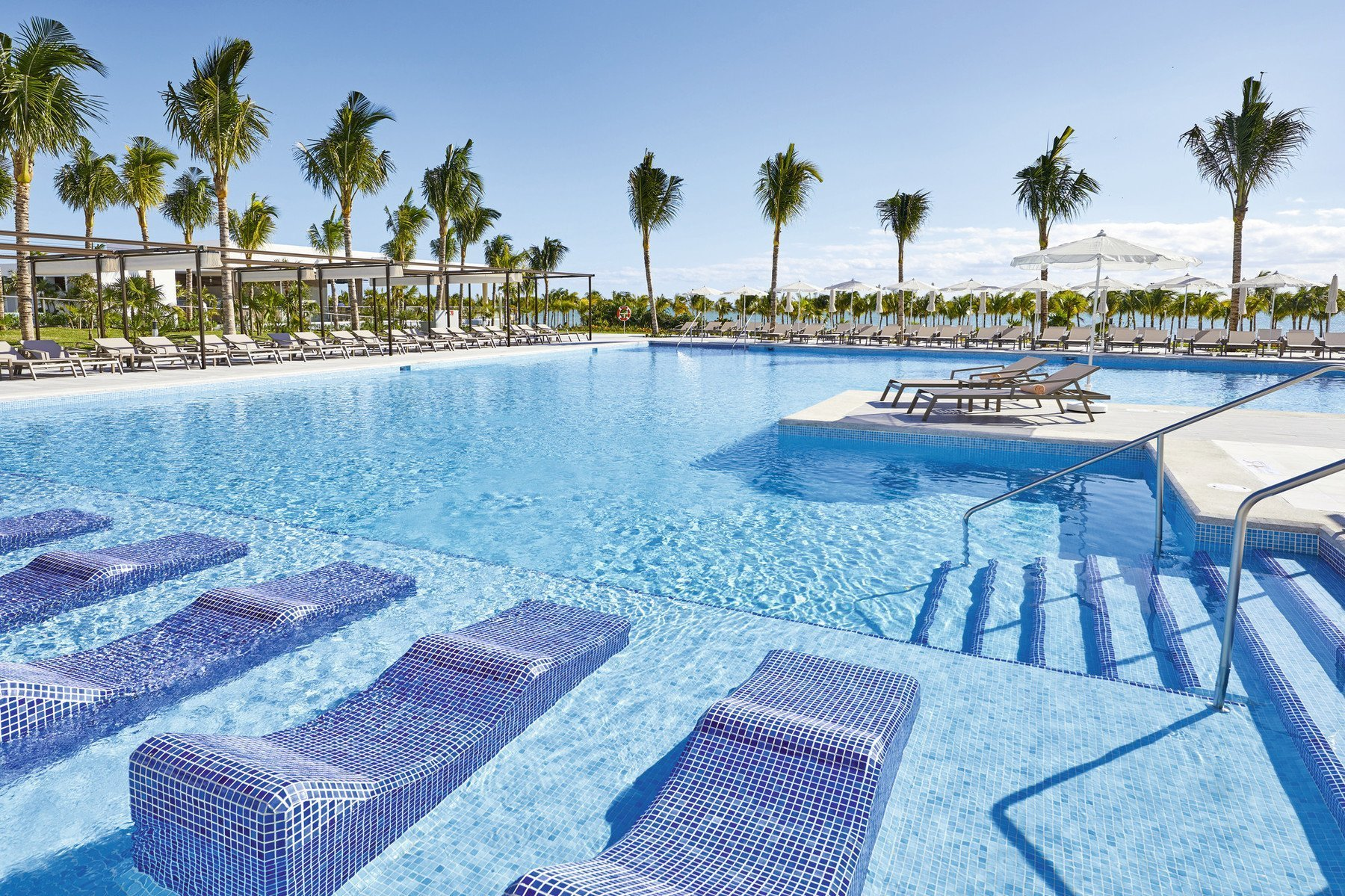 riu palace costa mujeres pool